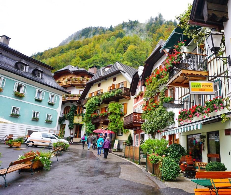 Hallstatt, Austri