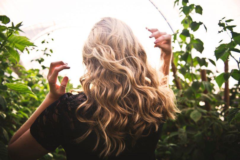 Maska magjike për rritje të flokëve
